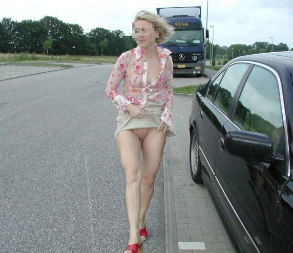 femme libertine pour exhibe sur parking routier